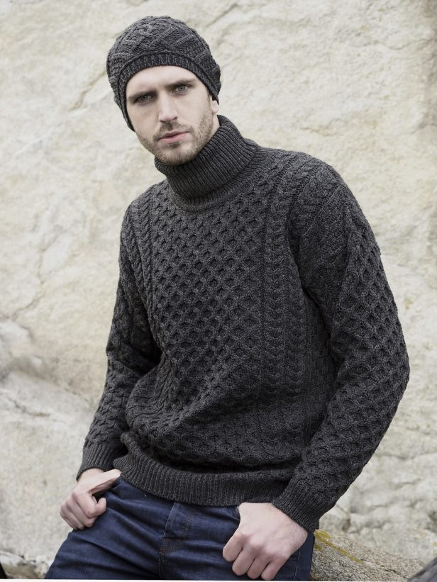 MERINO ROLL NECK SWEATER R1949