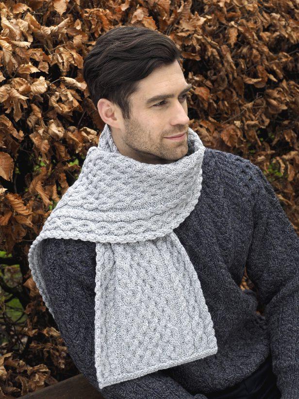 Trellis Pattern Merino scarf X4840