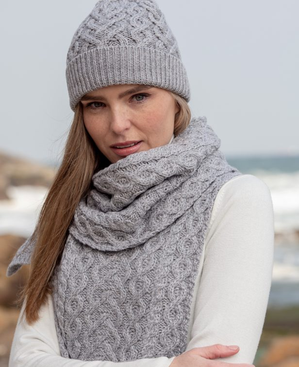 heart hat and scarf grey